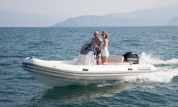 bateau-pneumatique-Valiant